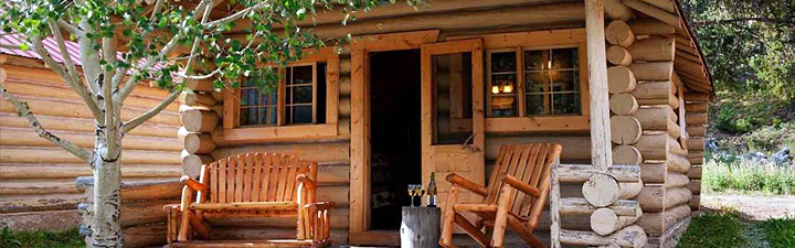 Yellowstone lodging cooke city activities for Yellowstone log cabin hotel